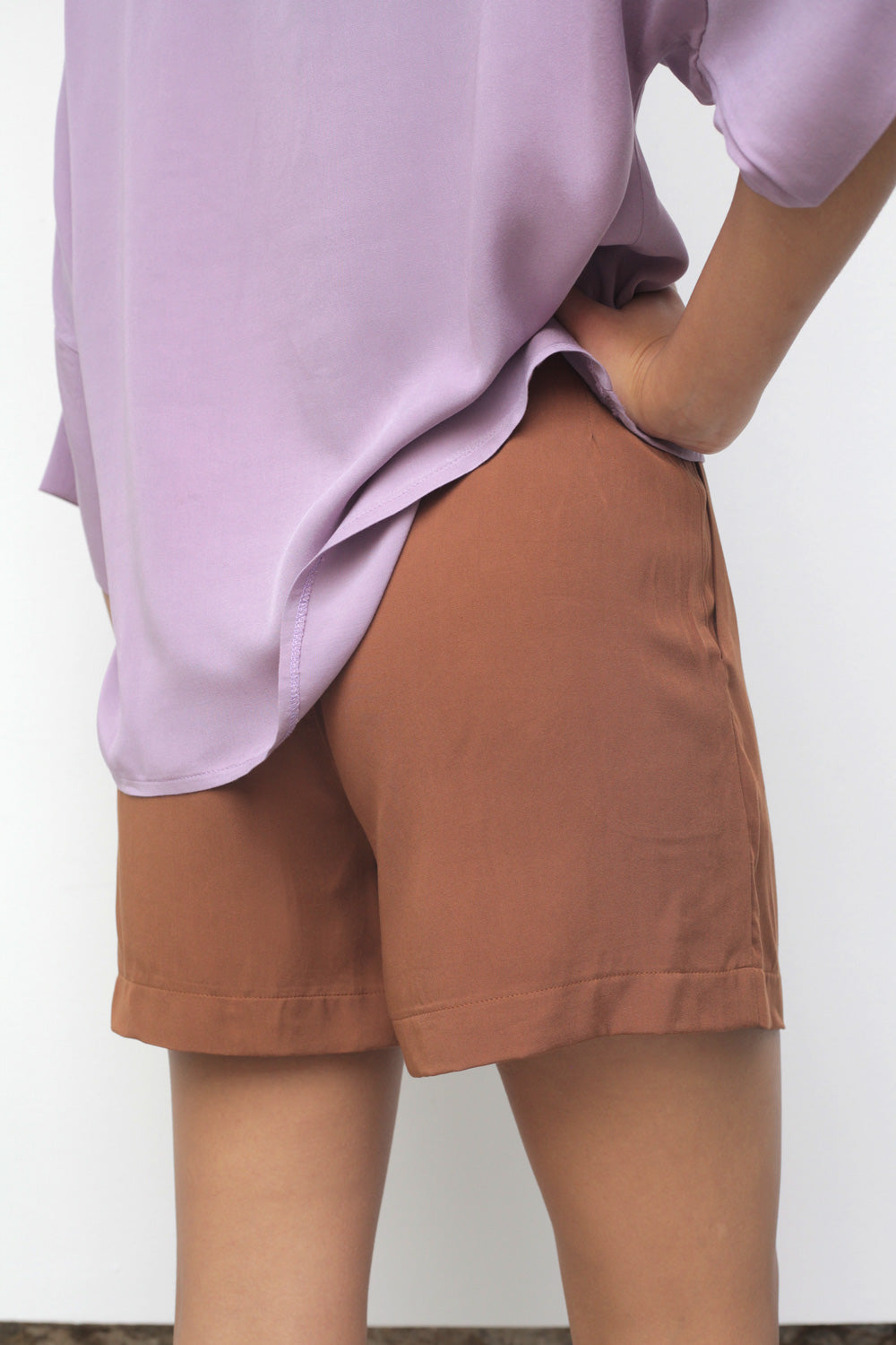 Lake Flowy Shorts in Russet Rayon Twill