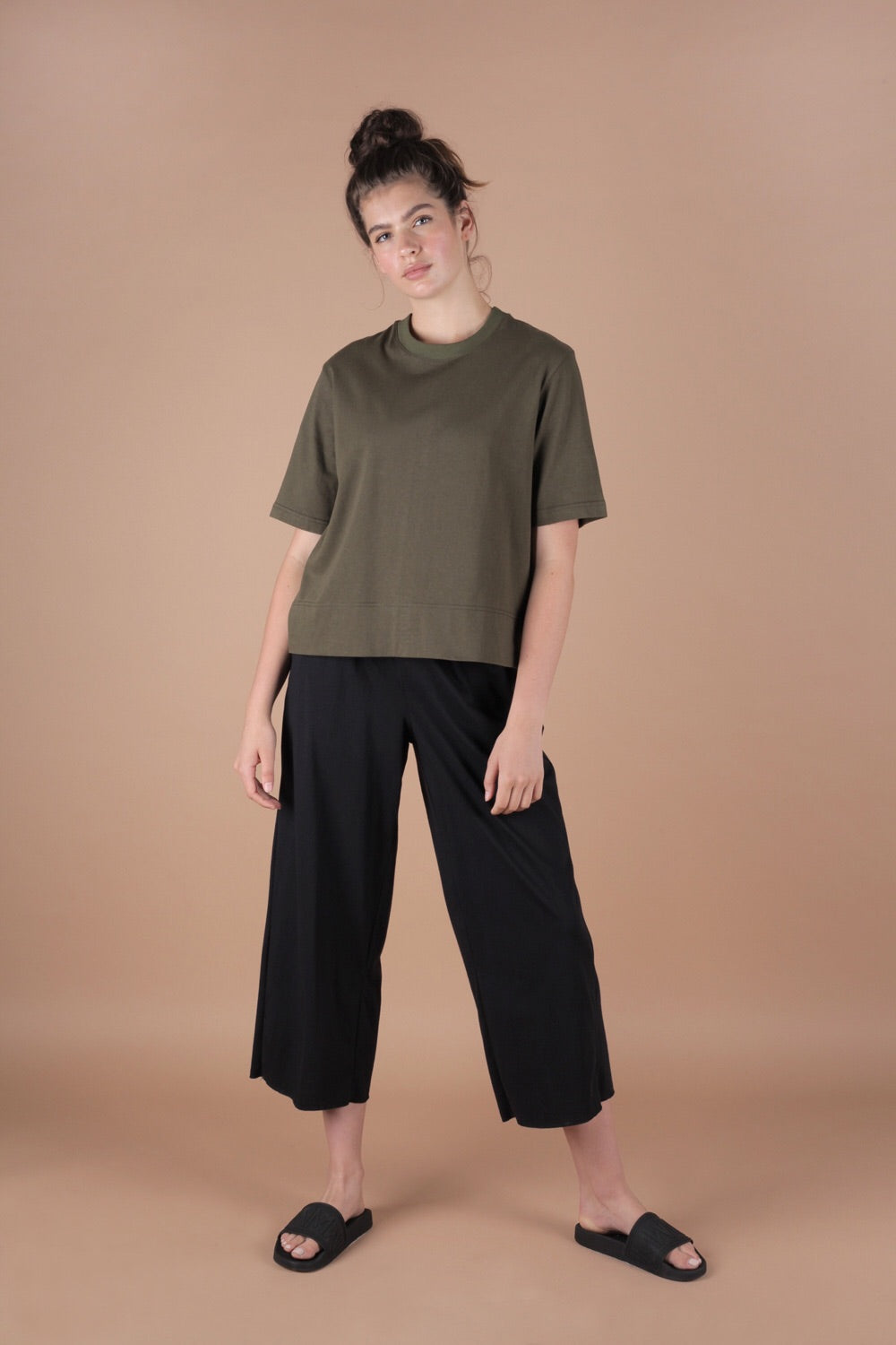 Wide Leg Cropped Pants In Black