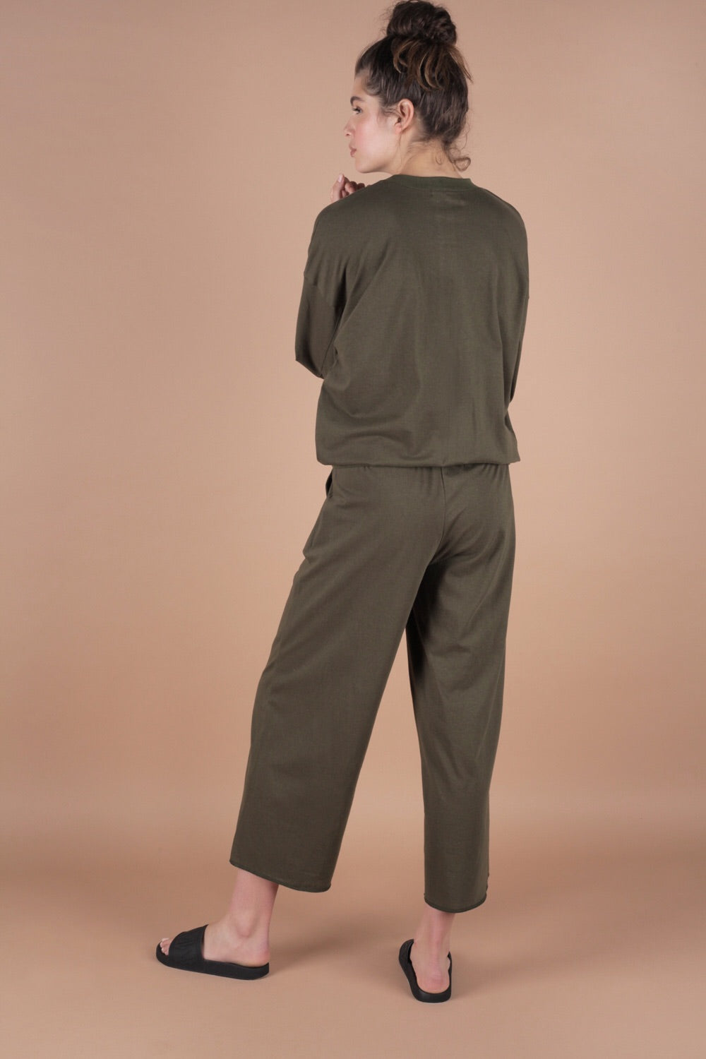 Wide Leg Cropped Pants In Moss Green