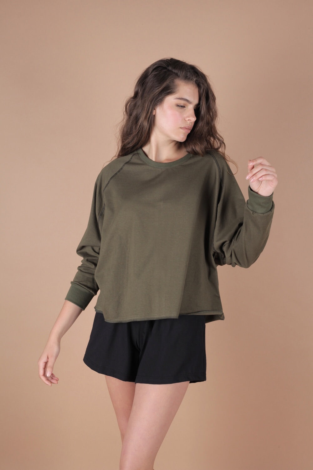 Essential Oversized Cropped Sweatshirt In Moss Green
