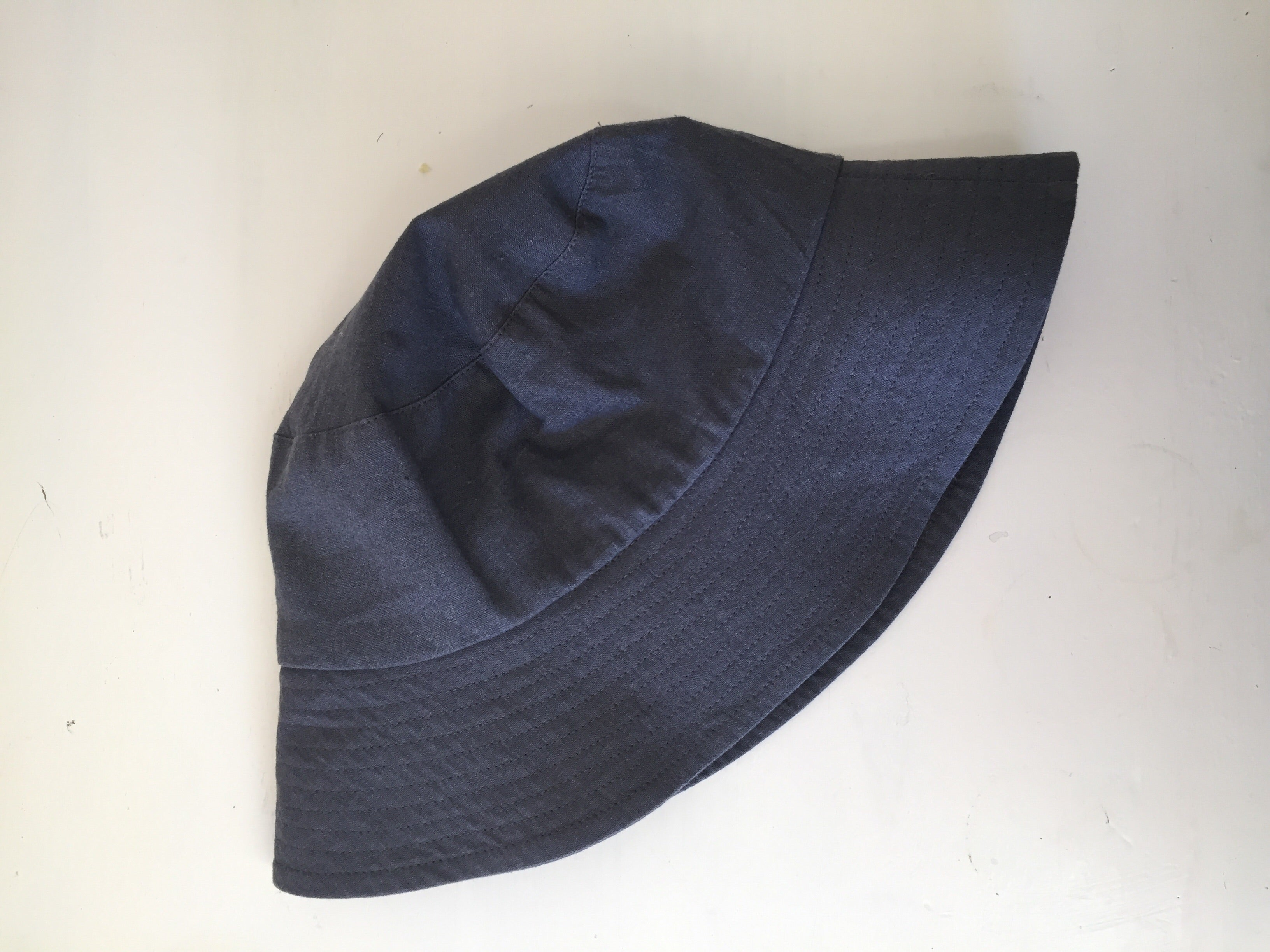 Bucket Hat In Charcoal Linen Blend