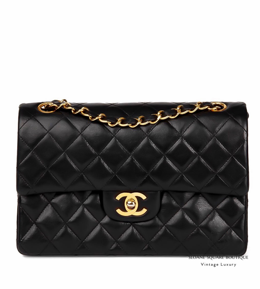 61a783083f8c ... CHANEL VINTAGE 10
