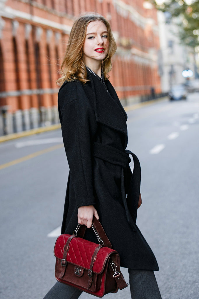 Woman Wool Coat with Lapel Collar - Black
