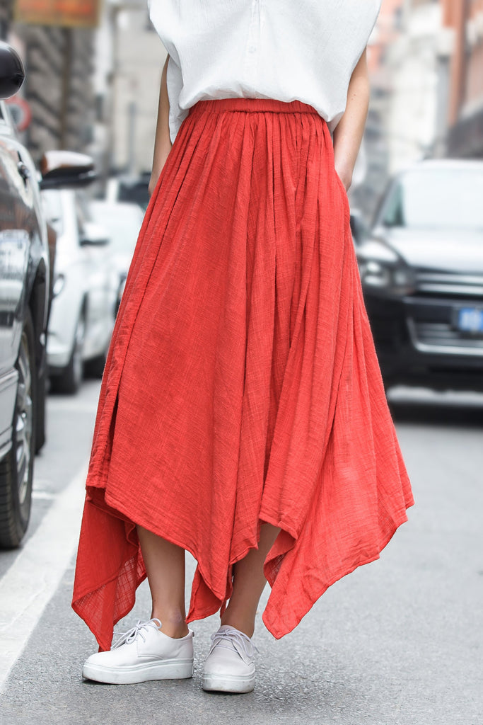 Woman Spring Lightweight Skirt with Asymmetric Hem-Red