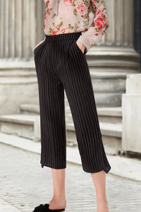 Woman Summer Cropped Pants with Stripes - Black