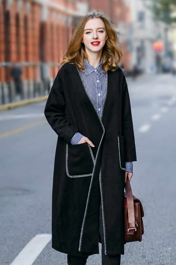Woman Winter Long Coat with Squared Pocket - Black