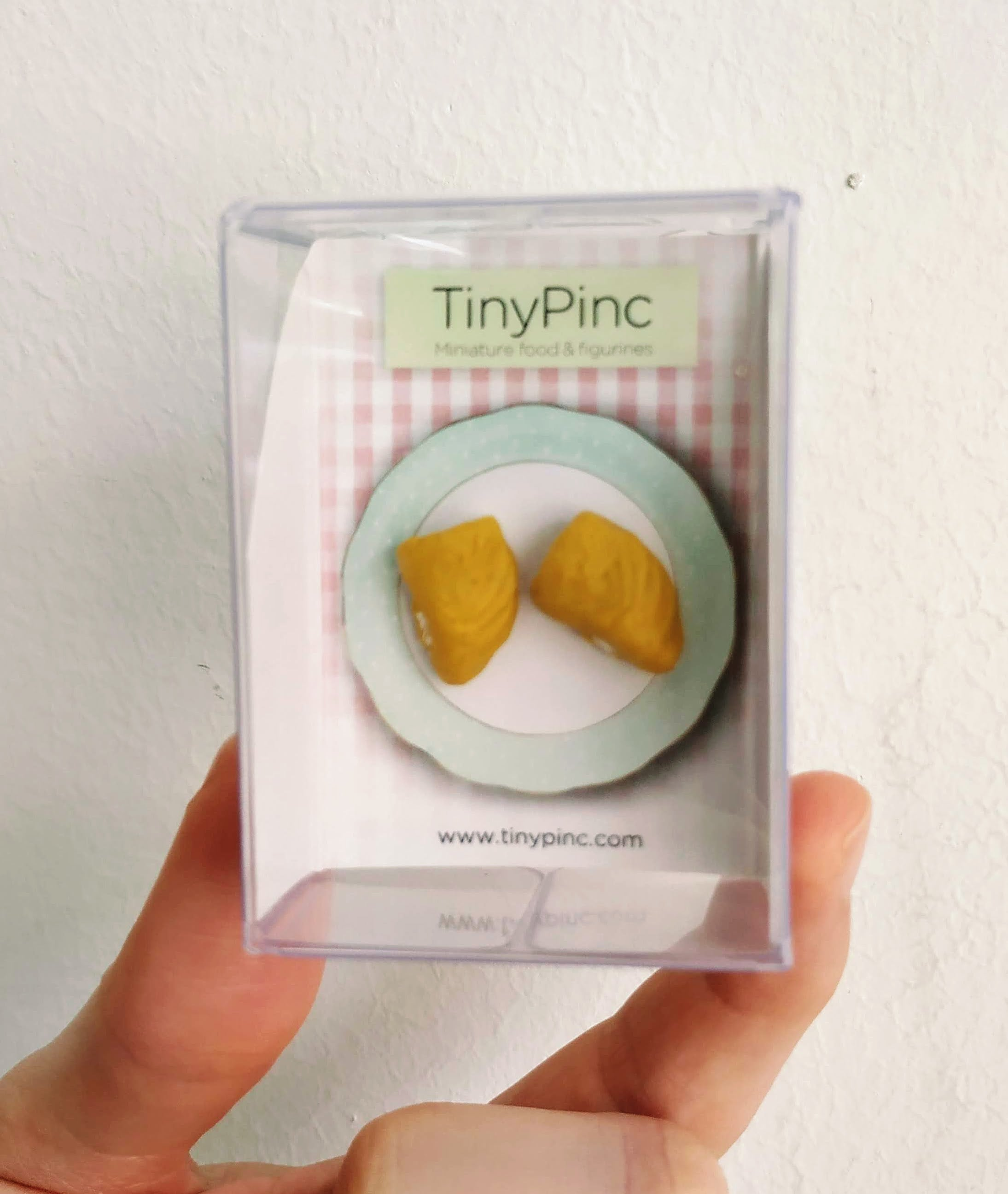 Durian fruit stud earrings (2 yellow fruits)