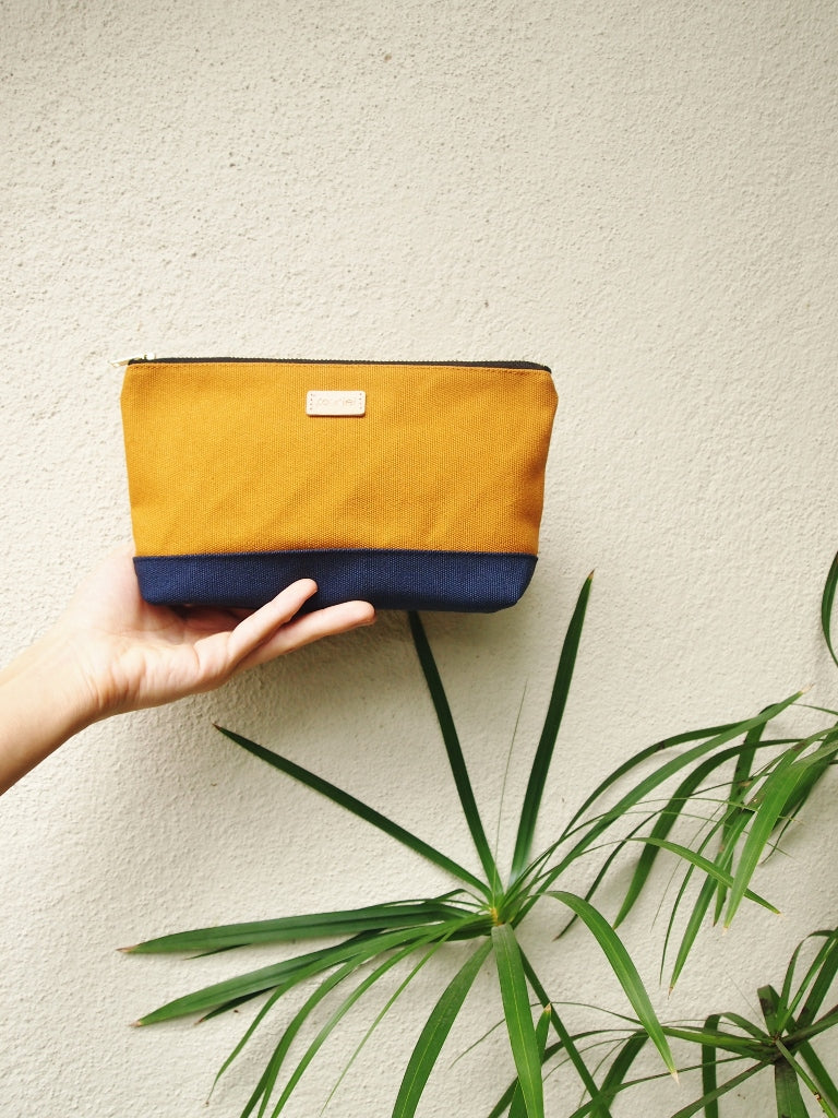 Colour-block Pouch