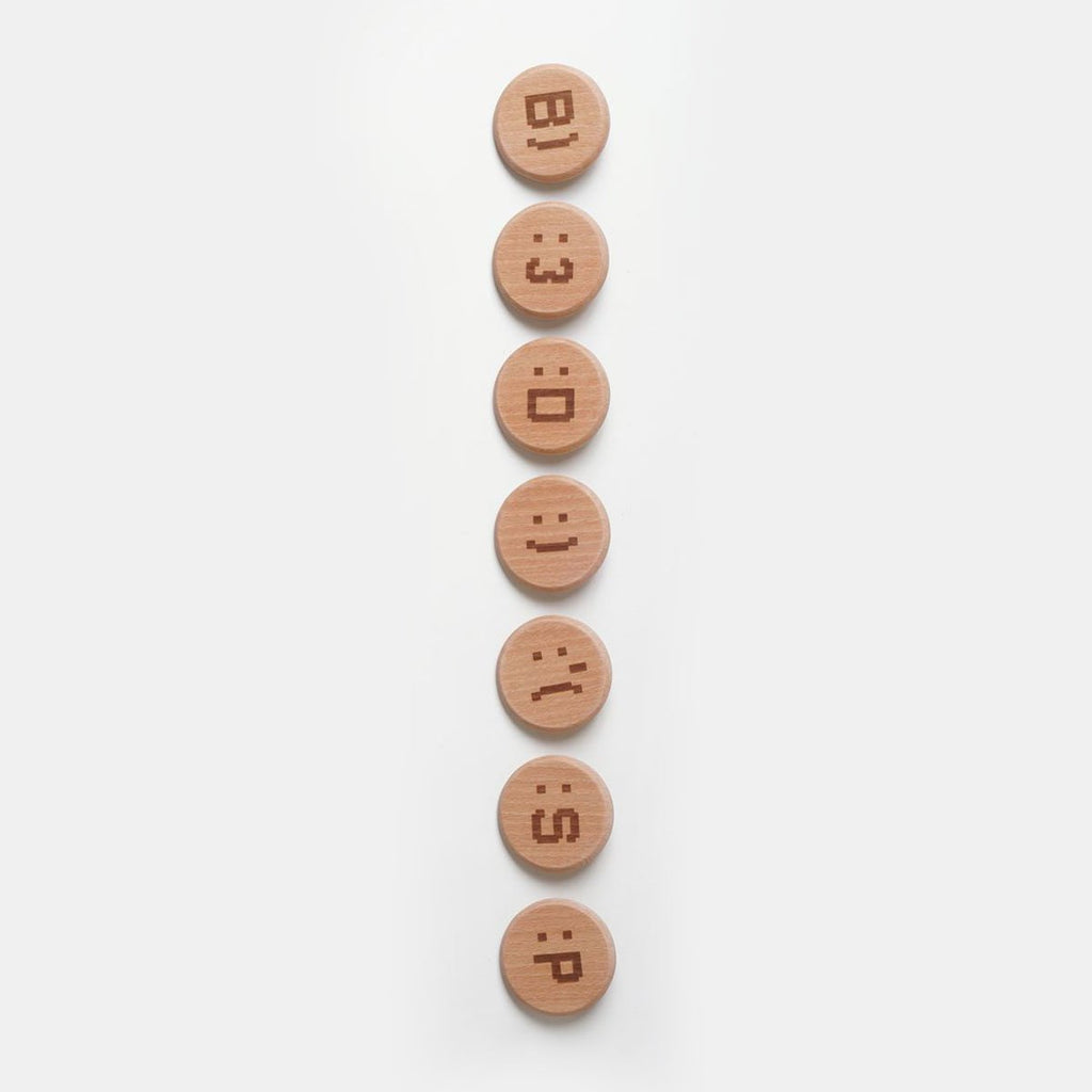 Wood Mood - Emoticon Badge