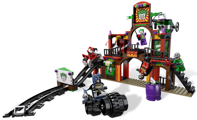 LEGO Super Heroes: Batman II: 6857 The Dynamic Duo Funhouse Escape. Preowned.