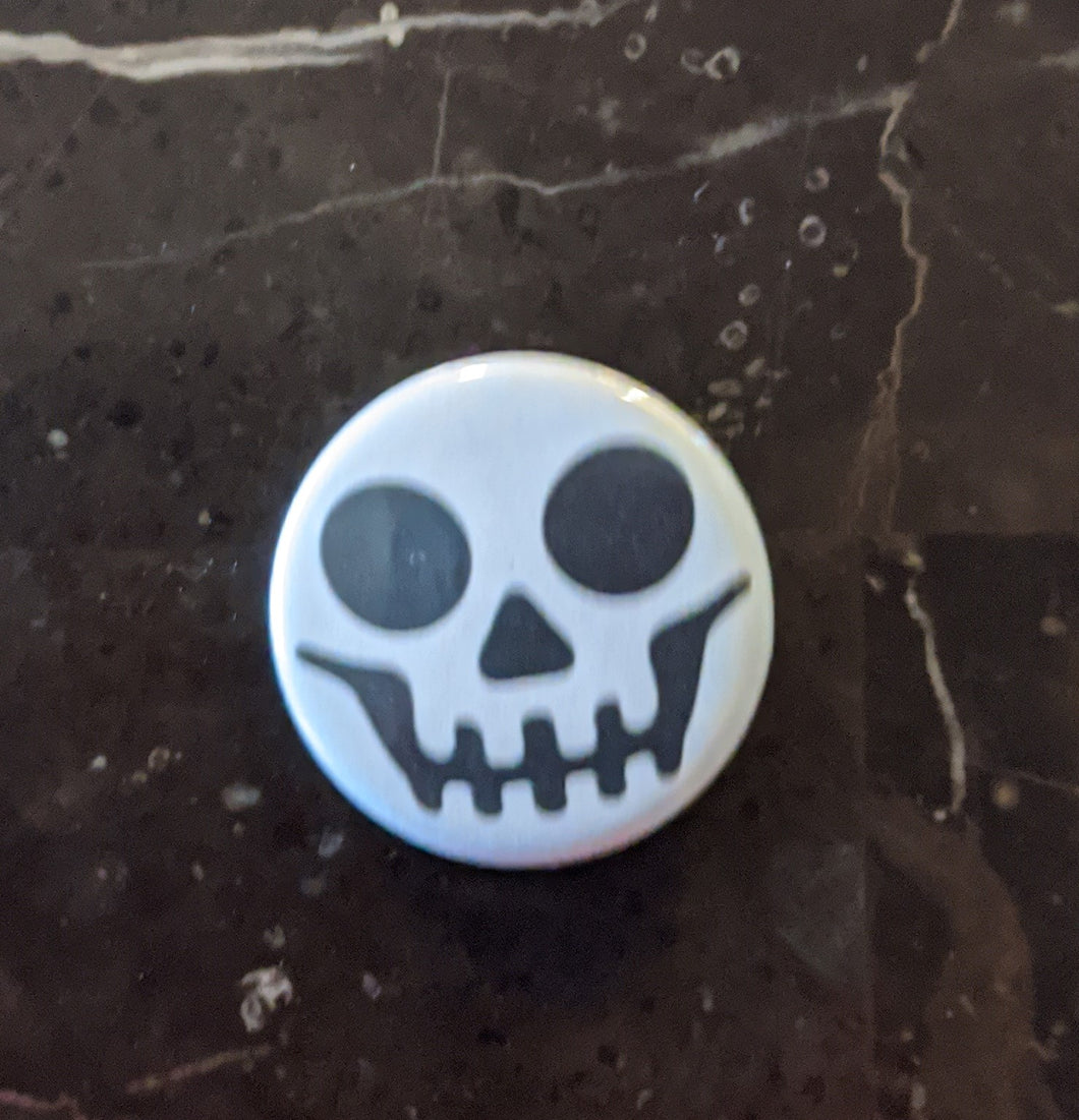 Button/Pin: White Halloween Button/Pin. New.