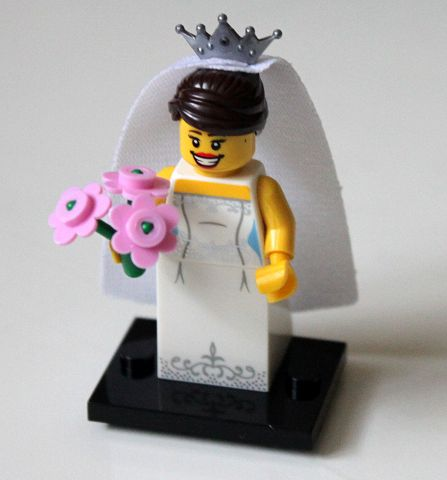 LEGO Collectible Minifigs: Series 7: col07-4 Bride, series 7. 2012. Preowned.