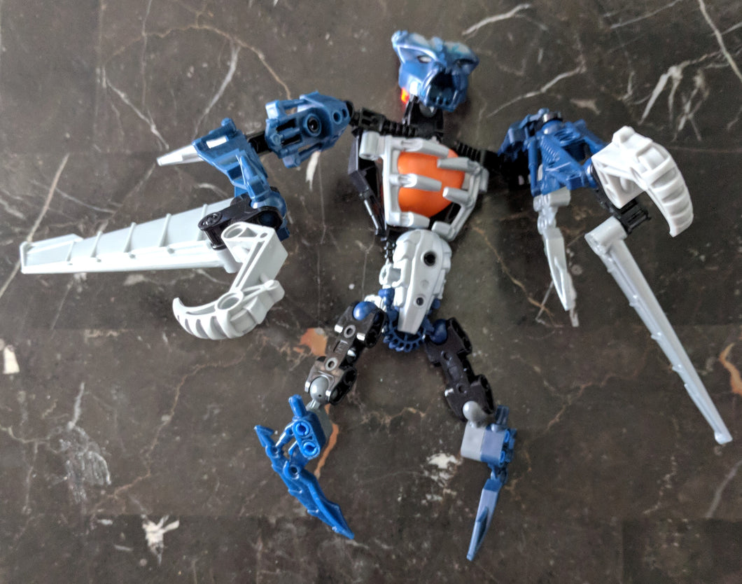 LEGO Bionicle Vamprah 8692-1 (2008) 48 pcs , modified. Preowned.