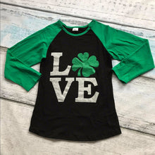 """LOVE"" Mother and Kid Shamrock Raglan Matching Top (1pc) -  Family Sets - The Tot Drawer"