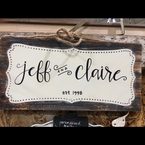 HAND LETTERED SCALLOPED SIGN