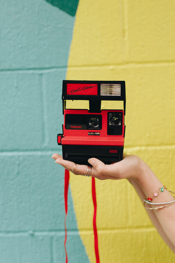 Load image into Gallery viewer, Polaroid Cool Cam 600 + bag