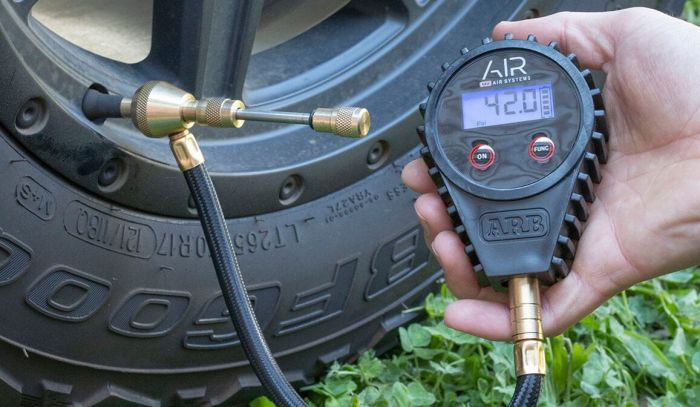 ARB E-Z DEFLATOR DIGITAL GAUGE