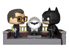 Pop! Movie Moment: Batman 80th - Batman with light-up Bat-Signal (2005)-Maximus Collectors
