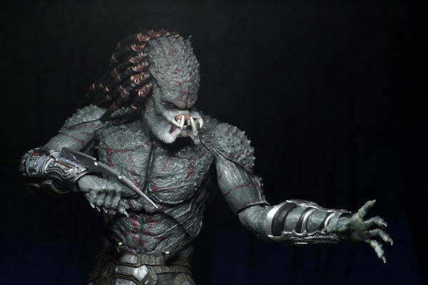 The Predator Deluxe Armored Assassin Predator Figure-Maximus Collectors