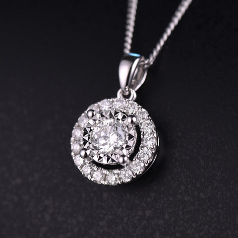 18K Gold Diamond Pendant for Women Fine Jewelry for Wedding and Engagement Ceremony