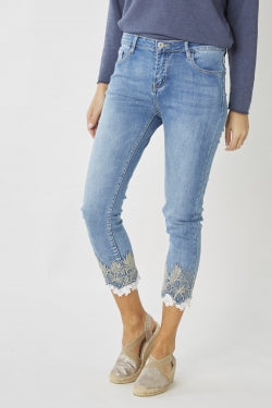 FLOWER AND LACE EMBELLISHED JEAN