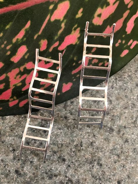 Wavy Ladders earrings