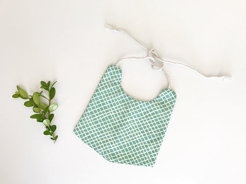 BOY's organic cotton fresh mint bib