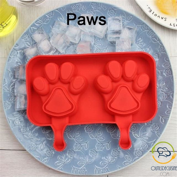 Silicone Ice Mold With 20 Paw Sticks