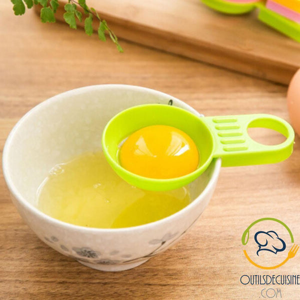 Egg Separator: Separate The Yellow From The White Very Easily