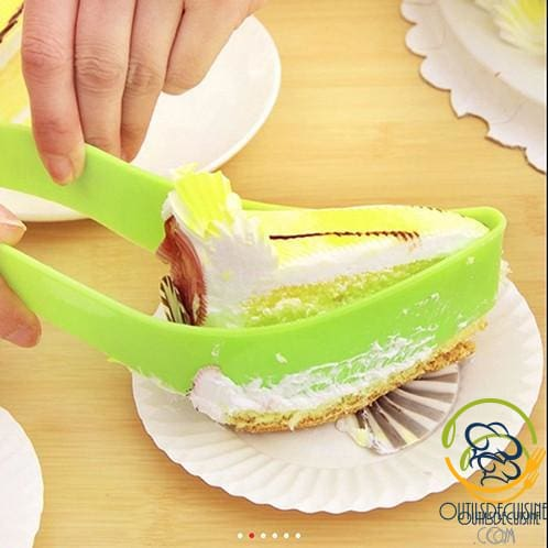 Very Clever Cake Slicer