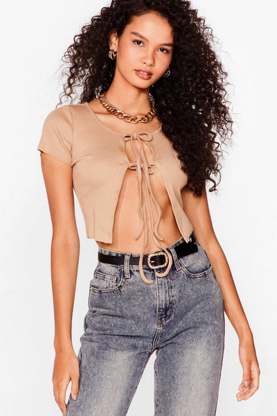 Nude Apple of My Tie Ribbed Crop Top With Acid Wash Light Gray Mom Jeans