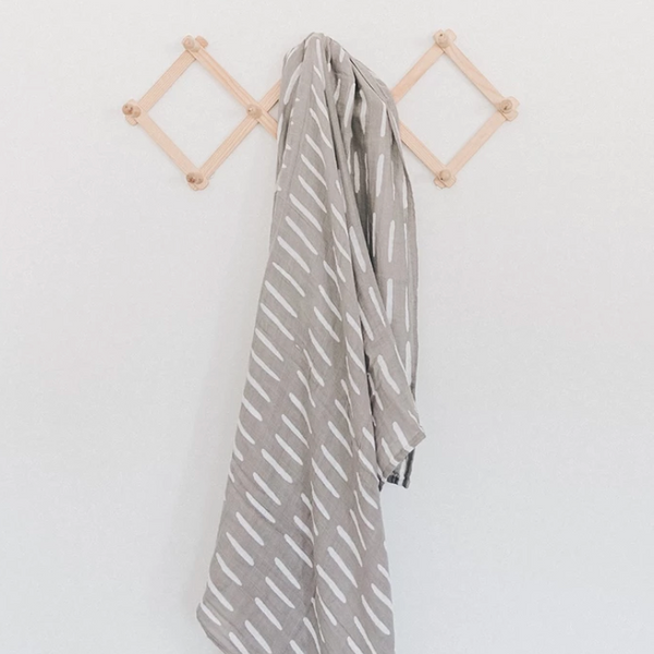 muslin swaddle - gray dash