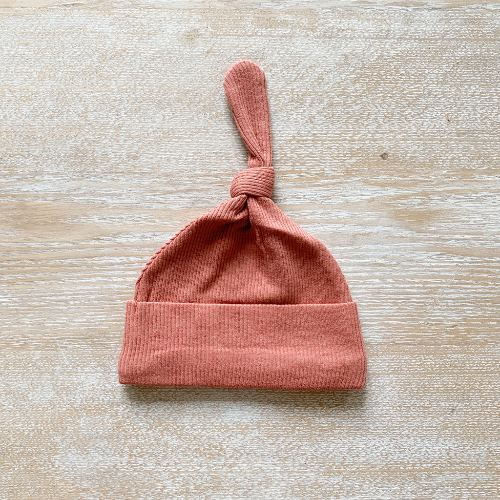 ribbed beanie | terracotta