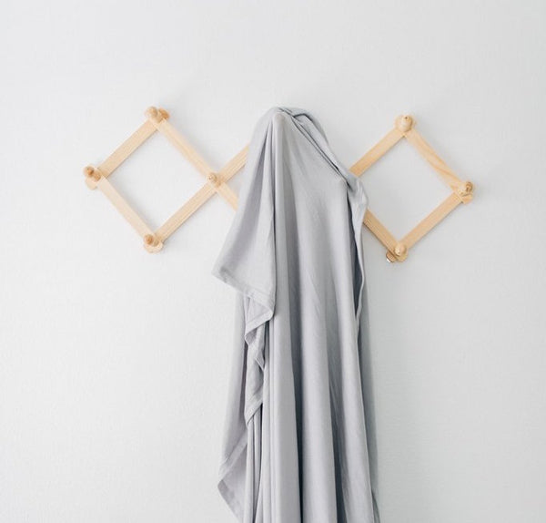 stretch swaddle - stone gray