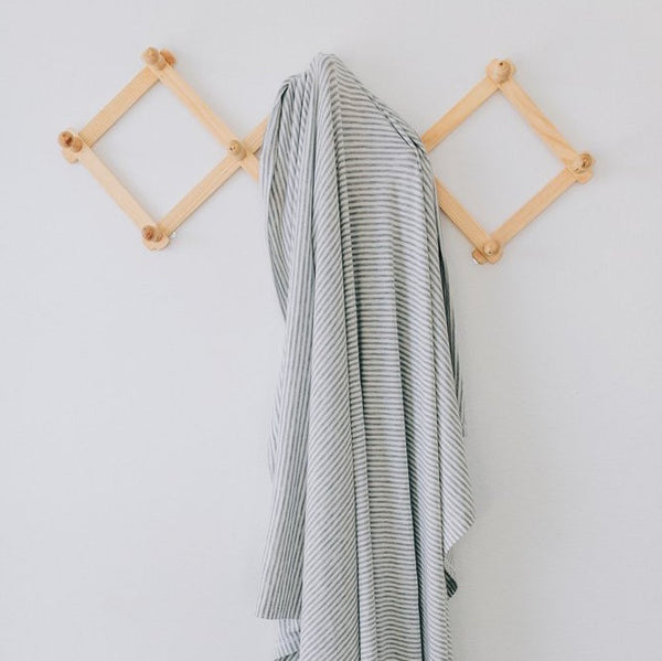 stretch swaddle | stripe