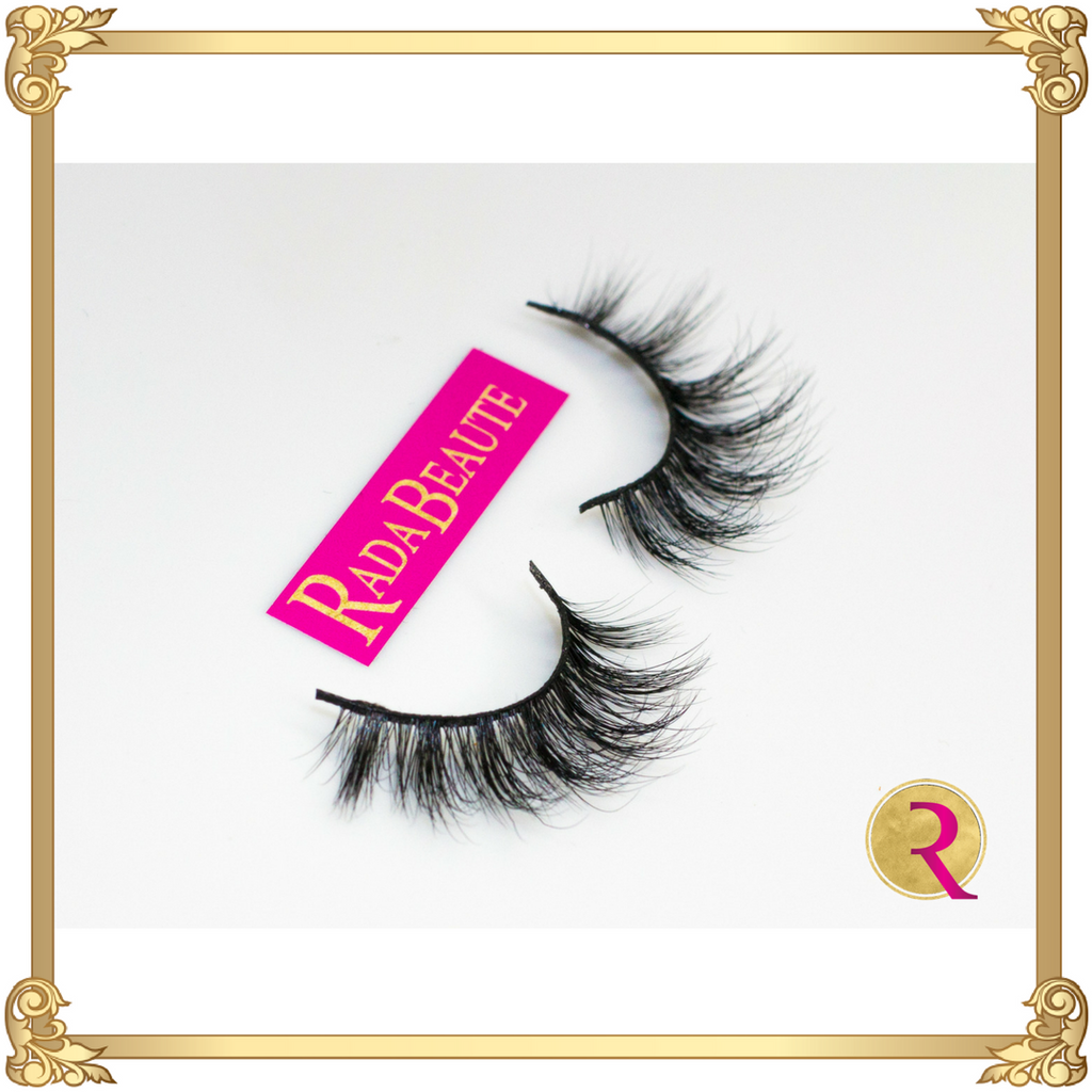 Fall in Love Mink lashes, side view. Buy your mink lashes at Rada Beaute now!