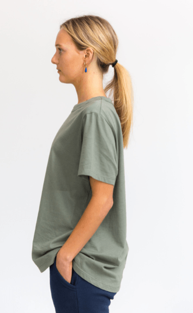 Load image into Gallery viewer, boyfriend tee khaki Tee Shirt Organic Crew