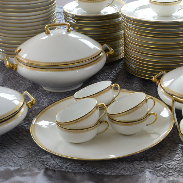 137 Piece Set China by Tressemann and Vogt of Limoges Service for 18