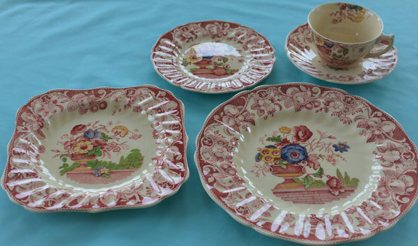 Royal Doulton Red Pomeroy Multi Color China Set European Finds Blue