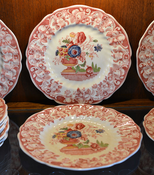 Royal Doulton Red Pomeroy Multi Color China Set European Finds Plates Close
