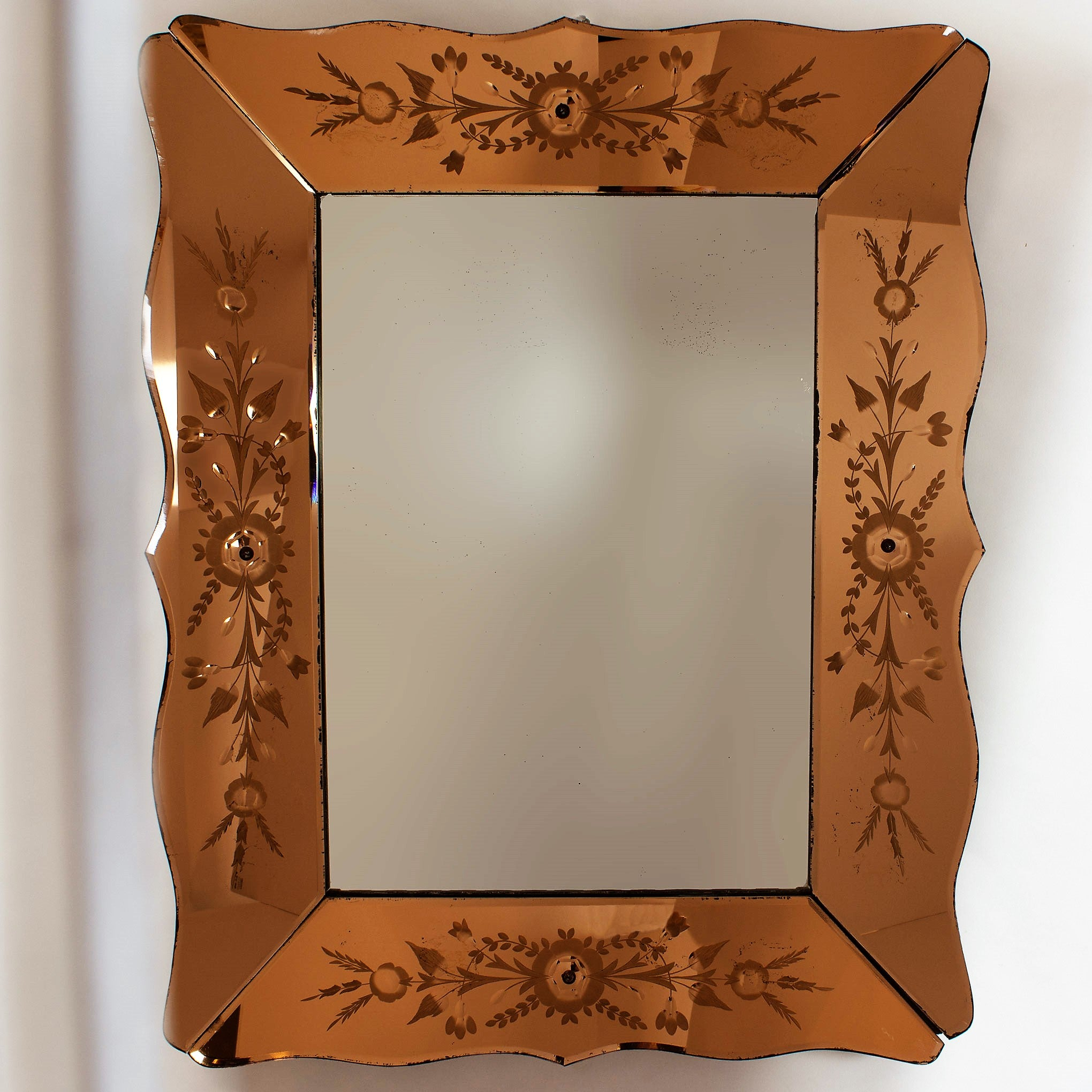 Venetian Art Deco Early 20th Century Cut Glass Mirror