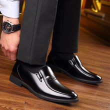 Load image into Gallery viewer, Fashion Men Business Wedding Dress Shoes