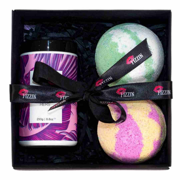 Body Scrub, 2 x Bath Bombs