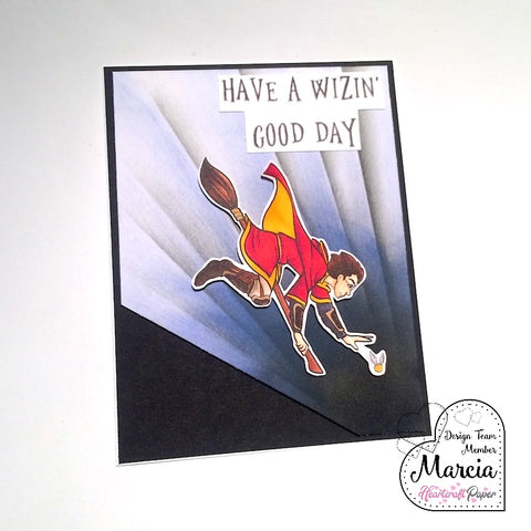 #thefrolickingfairy #heartcraftpaper #harold #quidditch #snitch #inflight #goldensnitch #wizingoodday #wizard #magic #magical #handmade #handmadecards #distressoxide