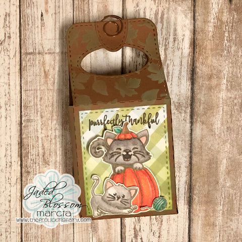 #thefrolickingfairy #jadedblossom #fromourpatchtoyours #thanksgiving #thankful #purrfect #cat #gablebox #treatbox #thanksgivingtreat #mewdidit #kittyfaces #fallleaves #stencil #distressoxide #spectrumnoir #alcoholmarkers #handmade #handmadeholidays #cardmaker #cardmaking #cardmakersofinstagram
