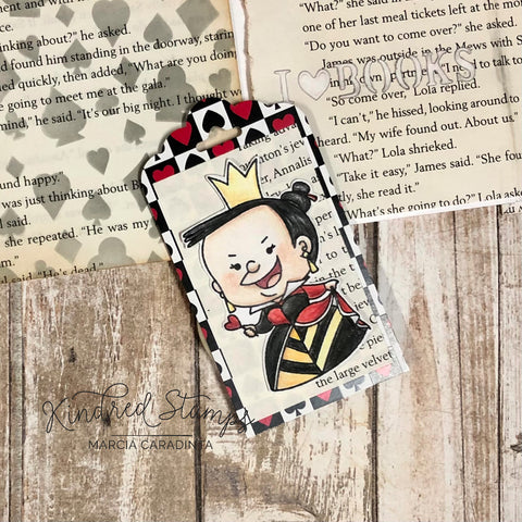 #thefrolickingfairy #kindredstamps #curiouserandcuriouser #curious #verycurious #downtherabbithole #unbirthday #wereallmad #fandom #classic #classicliterature #classicstory #curiouser #queen #madqueen #imagination #teaparty #deckofcards #minialbum #diyminialbum #accordionalbum #accordionminialbum #inkblending #distressoxide #stencil #coloredpencils #prismacolor #cardmaker #cardmaking #cardmakersofinstagram