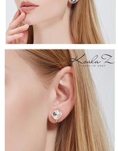 Load image into Gallery viewer, Authentic Austria Crystal Classic Square Crystal Ear Clip Ear Holes Female Clip Simple Joker