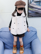 将图片加载到图库查看器,Trendy Toddler Girls White Fleece Lining Vest