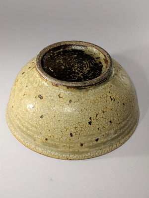 Another beautiful example of the Japanese crackle glaze finish. This fine textural bowl in olive green is from Karatsu in Kyuushu and available at zenbuhome.com