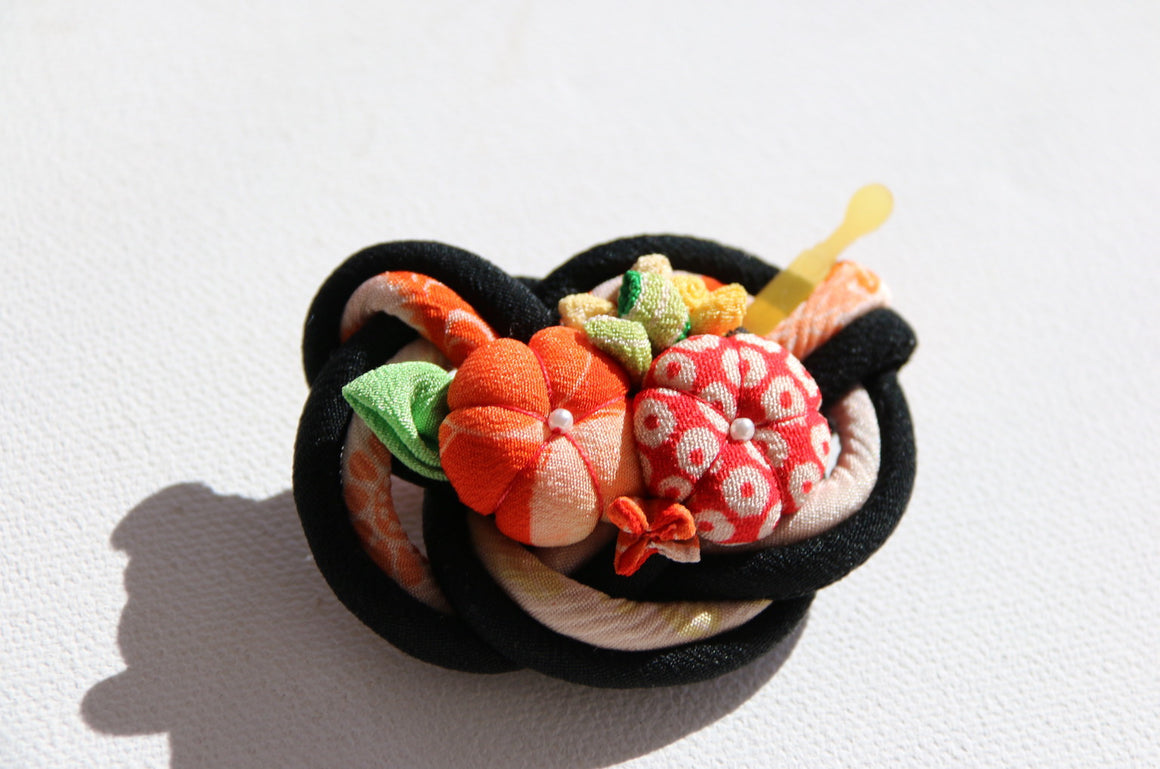 Handmade Japanese Kanzashi style brooch made from vintage kimono fabric